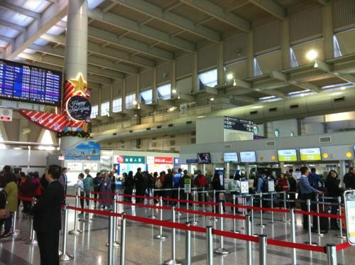 香港エクスプレス航空のチェックインカウンター