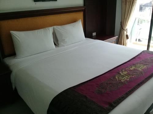 パタヤのホテルのベッド