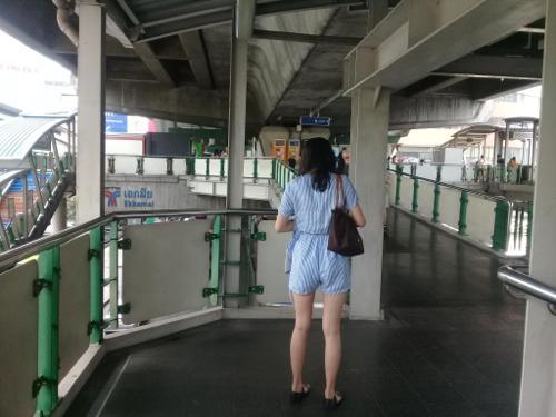 タイ人の女性