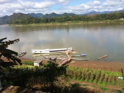 メコン川と船