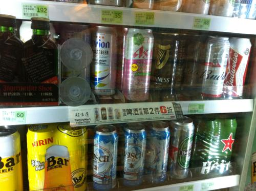 OK MARTのビール売り場