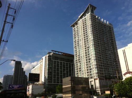 バンコクの高層アパートメント