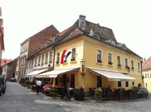 ザグレブのカフェ