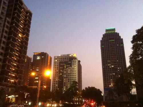 夕暮れ時の上海