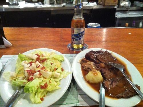 フィリピン料理とサンミゲルライト