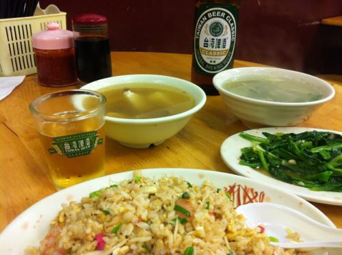 チャーハンと台湾ビール