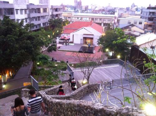 文化園区への道のり
