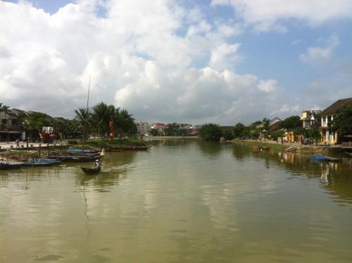 ホイアンのトゥボン川