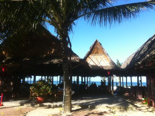 ホイアン郊外のアンバンビーチ