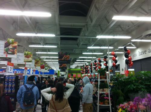 Walmartの店内