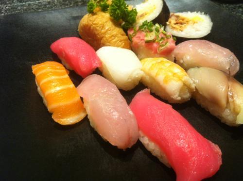 タニヤ通りの寿司