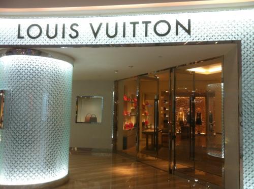 ヴィトンの店舗