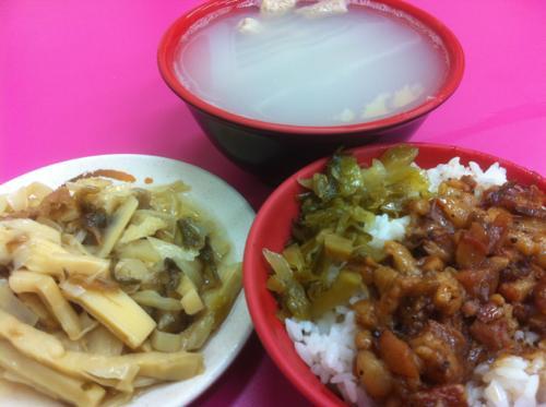 魯肉飯と竹のこの煮込み