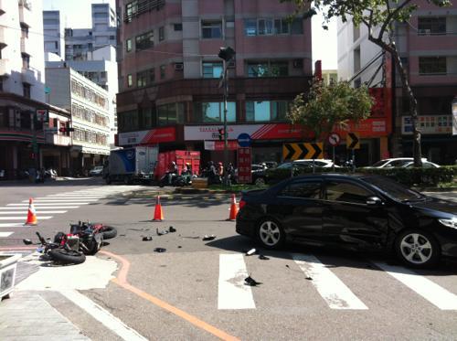 台湾の交通事故現場