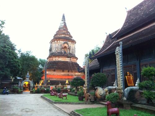 チェンマイのお寺とパゴダ