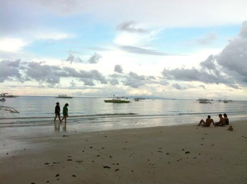 アロナビーチ